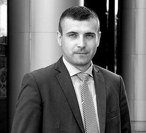 radca prawny Paweł Iwaniak