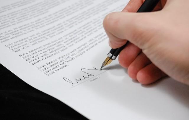 Umowa spółki jawnej – wzór z komentarzem