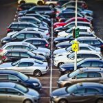 Umowa sprzedaży samochodu – wzór umowy z praktycznym komentarzem