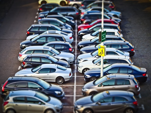 Umowa sprzedaży samochodu – bezpłatny wzór umowy do pobrania.